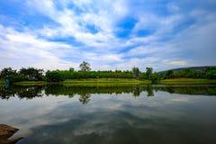 Отражение озера Таиланд стоковое фото rf
