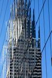 отражение офиса здания стеклянное самомоднейшее Стоковое Фото