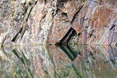 Отражение пещеры воды Rydal стоковые фото