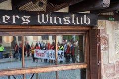 Отражение протестующих Стоковые Фото