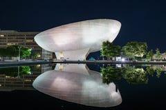 Отражение площади Имперского штата на ноче Стоковое Изображение RF
