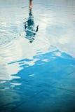 Отражение силуэта человека стоковое фото rf