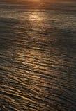 Отражение солнца в воде стоковое изображение rf