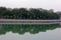 Отражение спектра озера-Qingyun Стоковые Изображения