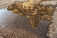 Отражение Angkor Wat Стоковое Изображение RF