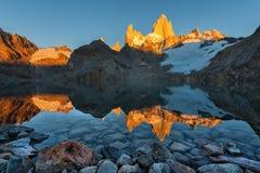 Отражение Monte Fitz Роя Стоковые Изображения RF