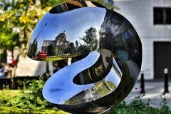 Отражение pauls St с красной шиной Стоковые Фото