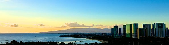 Отражение Waikiki Гаваи захода солнца стоковая фотография rf