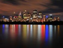 Отражения горизонта города Сиднея, Австралия Стоковые Изображения RF