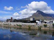 отражения города канала стоковое фото rf