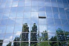 отражения дела здания Стоковые Изображения