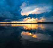 Отражения захода солнца стоковые фото