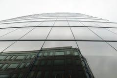 Отражения здания стоковые фото