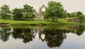 Отражения на монастыре Bolton Стоковое Изображение RF