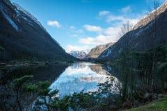 Отражения на озере горы стоковое изображение rf