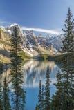 Отражения озера морен Стоковое Изображение
