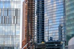 Отражения строительной конструкции современные стеклянные Стоковое Изображение RF