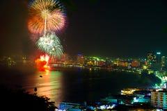 отражения pattaya залива феиэрверков Стоковое Изображение RF