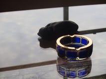 Отраженные стекло и скульптура Стоковая Фотография RF