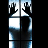 Отраженный силуэт людей Стоковые Фотографии RF