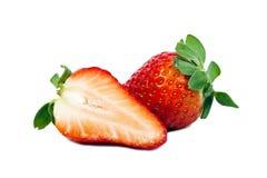 отрежьте вкусные половинные зрелые клубники Стоковое Изображение