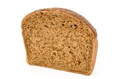 Отрежьте в половине хлебца свежего хлеба, изолированного на белой предпосылке Стоковые Фотографии RF
