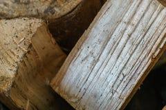 Отрежьте деревянные журналы для камина Стоковое фото RF