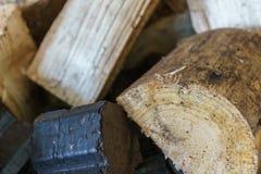 Отрежьте деревянные журналы для камина Стоковая Фотография RF
