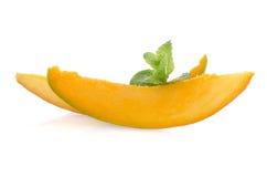 отрежьте женщину мангоа плодоовощей плодоовощ отрезанную показом стоковое фото
