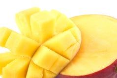отрежьте женщину мангоа плодоовощей плодоовощ отрезанную показом Стоковое Изображение
