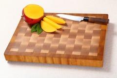 Отрежьте манго Стоковое Изображение RF