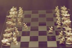 Отрежьте от шахматных фигур косточки стоковая фотография