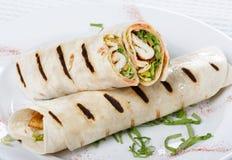 отрежьте половинный обруч tortilla Стоковые Фото