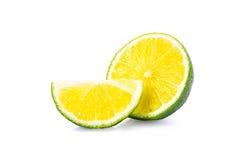 Отрежьте плодоовощи известки на белой предпосылке Стоковая Фотография