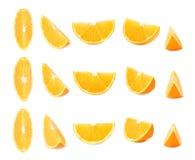 Отрежьте раздел апельсина изолированный над белой предпосылкой, комплектом различных foreshortenings стоковые изображения