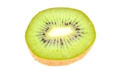 отрежьте свежей изолированную половиной белизну кивиа Стоковая Фотография