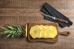 Отрежьте свежий ананас Стоковое Изображение