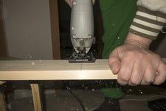 отрежьте увидел деревянное Стоковые Изображения RF