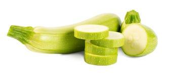 Отрежьте vegetable сердцевины (цукини) изолированные на белой предпосылке Стоковые Изображения