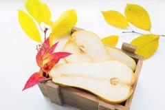 Отрезанная коробка груши деревянная Стоковые Фотографии RF