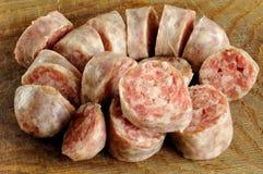 Отрезанная самодельная сосиска от свинины Стоковые Изображения RF