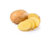 Отрезанные картошки на белой предпосылке Стоковые Изображения