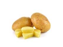Отрезанные картошки на белой предпосылке Стоковые Фотографии RF