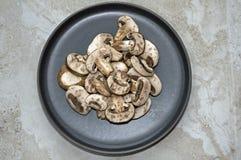 Отрезанные мини грибы portobello Стоковые Фотографии RF