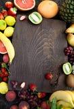 отрезанный ананас плодоовощ отрезока предпосылки половинный Стоковая Фотография RF