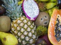 отрезанный ананас плодоовощ отрезока предпосылки половинный Стоковое фото RF