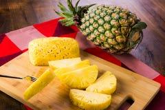 отрезанный ананас Стоковые Изображения RF