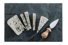 Отрезанный голубой сыр Стоковые Фото