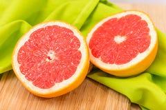 отрезанный грейпфрут Стоковые Изображения