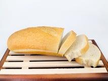 Отрезанный длинный хлеб хлебца Стоковые Изображения